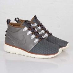 NIKE ROSHE RUN SNEAKERBOOT QS – MERCURY GREY