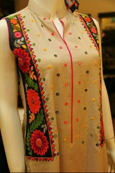 Kurtis neck designs for your stylish look - Simple Craft Ideas Stylish Dress Designs, Stylish Dresses, Casual Dresses, Fashion Dresses, Winter Dresses, Salwar Designs, Kurti Neck Designs, Blouse Designs, Frocks For Girls
