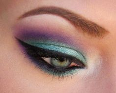 "A long time ago I had done a look using teal and purple but I really felt that I could do a better job on it so I have it another try using MAC's ""Teal"" pigment, Make Up Forever 92, and the Naked palette!"