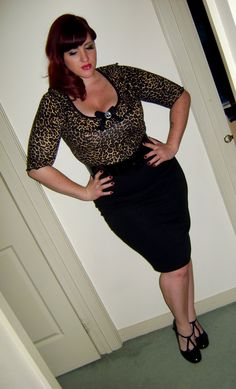 Curvy lass with va va voom, Miss Teer Wayde Classy Outfits, Pretty Outfits, Vintage Outfits, Rockabilly Outfits, Rockabilly Fashion, Girl Fashion, Fashion Outfits, Ladies Fashion, Curvy Girl Outfits