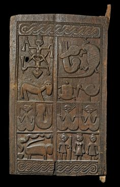 Using Art and Crafts in African Decor Antique Doors, Old Doors, African House, Statues, African Sculptures, Traditional Doors, Art Africain, African Artists, African Textiles