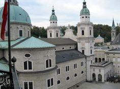 De Dom van Salzburg, imposante kerk in het centrum van Salzburg in Oostenrijk.
