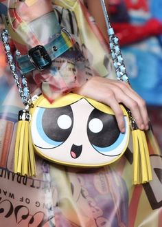 Buttercup from the Powerpuff Girls makes her Fashion Week debut as the cutest bag at the Moschino spring 2016 show