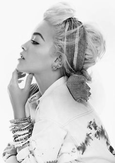 Rita Ora- so cute! Wish I could figure out how to do that with my hair!