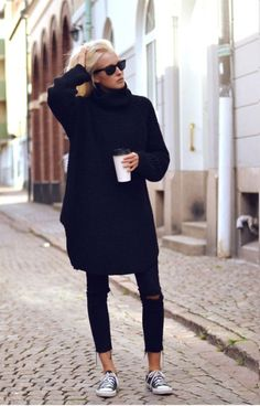 LoLoBu - Women look, Fashion and Style Ideas and Inspiration, Dress and Skirt Look Looks Street Style, Looks Style, Style Me, Black Style, Look Fashion, Womens Fashion, Fashion Trends, Italian Style Fashion, Fall Fashion