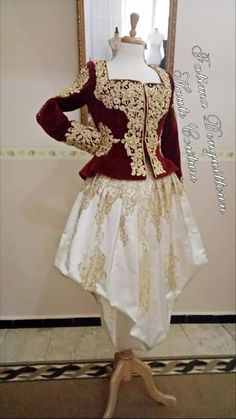 Traditional Fashion, Traditional Dresses, Couture Coats, Afghan Clothes, Arabic Dress, Sarees Online India, Mothers Dresses, I Dress, Blouse Designs