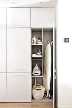 make better everyday tasks simple with these utility room storage ideas 19 Lounge Design, Design Room, Küchen Design, Home Design, Home Interior Design, Modern Laundry Rooms, Laundry Room Layouts, Laundry Room Remodel, Laundry In Bathroom