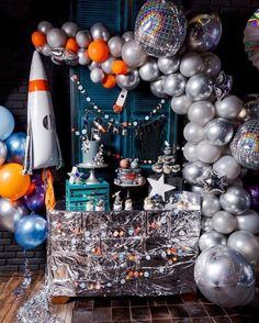 Space Party // Space party with Meri Meri party supplies - - Fun Party Themes, Balloon Decorations Party, Birthday Party Decorations, Ideas Party, Diy Party, Decoration Party, Space Party, Space Theme, Boy Birthday Parties