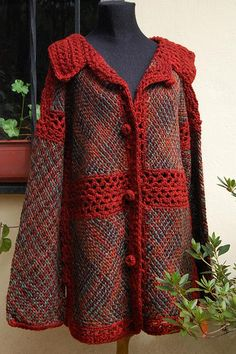 Sacón by Milmakhia Ropa en telar, via Flickr Crochet Coat, Crochet Cardigan Pattern, Crochet Jacket, Crochet Clothes, Moda Crochet, Remake Clothes, Crochet Videos, Loom Knitting, Refashion
