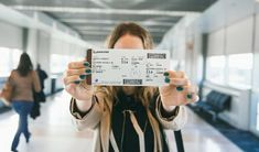 6 Travel Photo Tips From the Polkadot Passport 6 Tipps für Reisefotos aus dem Polkadot-Pass This image has get Photography Poses, Travel Photography, Airplane Photography, Photography School, Photo Voyage, Shotting Photo, Airport Photos, Passport Travel, Photo Instagram