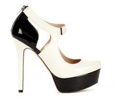 Monochromatic heels.  (?)