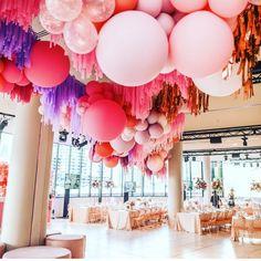 Wedding Inspo For Luxe Brides (LuxeBrideGuide) Balloon Ceiling, Balloon Garland, Balloon Decorations, Wedding Decorations, Graduation Decorations, Ceiling Decor, Hanging Balloons, Balloon Installation, Wedding Balloons