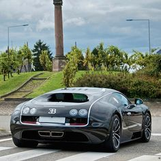 Veyron Super Sport  Follow our Friend @Kunal00 CEO of www.BullsOnWallStreet.com @Kunal00  Photo by @nrautomotive