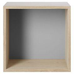 Scopri Scaffale Stacked -/ Modulo medio quadrato 43x43 cm /Con fondo colorato, Frassino / fondo grigio di Muuto, Made In Design Italia