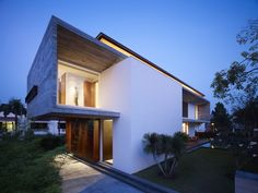 Architects: Ong Architects  Location: Bukit Timah, Singapore  Project Year: 2011  Photographs: Derek Swalwell  Project Area: 738 sqm  Structural & Civil: KKC Consultancy Services  Mechanical & Electrical: Gims & Associates Pte Ltd  Main Contractor: Jiang Construction Pte Ltd  Project Management: Project Innovations Pte Ltd (QC)M House / Ong Architects