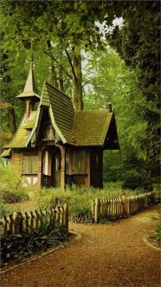 18 Trendy Garden House Ideas Buildings Fence 18 Trendy Garden House Ideas Buildings Fence The post 18 Trendy Garden House Ideas Buildings Fence appeared first on Garden Easy. Witch Cottage, Cute Cottage, Witch House, Cottage In The Woods, Storybook Homes, Storybook Cottage, Tiny Cabins, Cabins And Cottages, Beautiful Homes