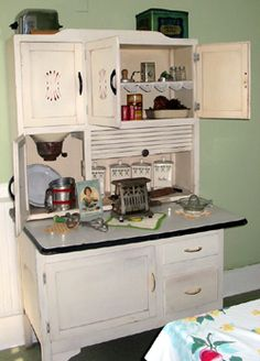 old fashioned looking kitchens - Bing Images