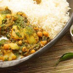 Chickpea, Potato, and Spinach Jalfrezi with Cilantro Chutney Recipe