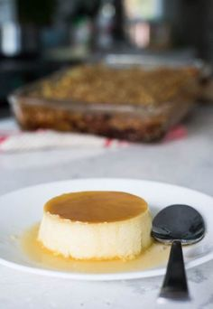 This makes a total of 4 servings of Keto Flan. Each serving comes out to be 298 Calories, Fats, Net Carbs, and Protein. Keto Friendly Desserts, Low Carb Desserts, Low Carb Recipes, Dessert Recipes, Low Carb Flan Recipe, Cuban Recipes, Delicious Desserts, Healthy Recipes, Keto Fudge