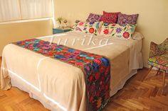 Pie de cama bordado mexicano. Modelo 8
