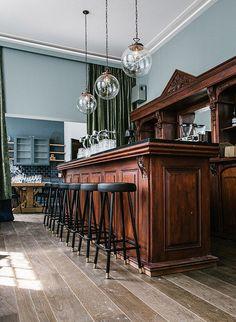 Dine and wine at new hotspot Jacobsz Amsterdam - The Dad Cafe Restaurant, Restaurant Design, Bar Pool Table, Wine Cellar Design, English Interior, Gentlemans Club, Second Empire, Club Design, Beer Bar