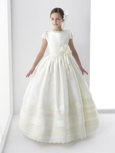 2017 Real Photo Cute Flower Girls Dresses For Weddings New Cap Sleeve Bow Lace First Communion Dress For Girls Custom Girls First Communion Dresses, Holy Communion Dresses, Cute Flower Girl Dresses, Girls Dresses, Flower Girls, Robes De Confirmation, Ball Dresses, Ball Gowns, Luulla Dresses