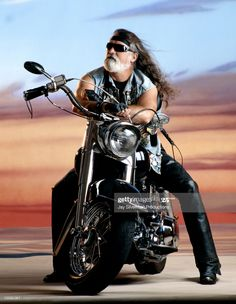 David Mann Art, Biker Photography, White Motorcycle, Classic Harley Davidson, Indian Scout, Vintage Biker, Easy Rider, Animal Totems, Man Photo