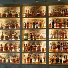 Bourbon Bar, Whisky Bar, Restaurant Interior Design, Bar Interior Design, Egyptian Home Decor, Whiskey Room, Modern Home Bar, Man Cave Room, Home Bar Decor