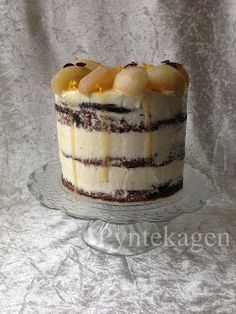 PynteKagen: Chocolatecake with salted caramel buttercream and delicious pears