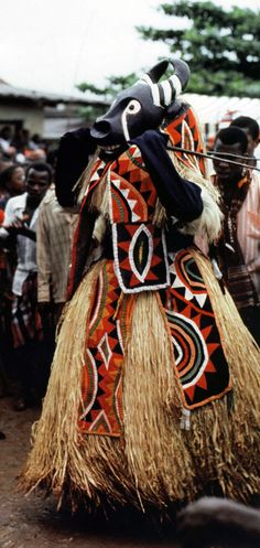Africa | Mma masquerade performed by residents of Amuvi village at the Amaikpe communal village group square on Eke Ekpe day of Ikeji, September 24, 1988. | ©Eli Bentor.