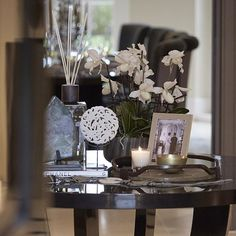 Styling on the pedestal table from the previous post