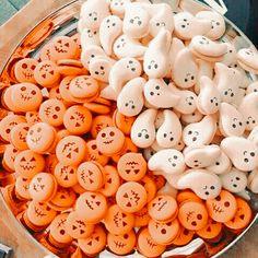 Halloween Treats, Fall Halloween, Halloween Decorations, Halloween Party, Halloween Inspo, Halloween Cookies, Halloween Nails, Halloween Pumpkins, Halloween Costumes