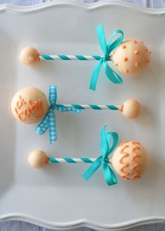 Baby SHower // Cake pops as baby rattles by tonia