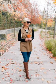 Lemon Stripes vest obsessed #boots #brownshoes #shoes #falloutfit #fall #falltime #howtowear