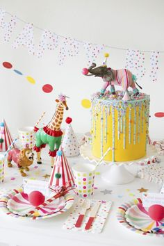 How To Throw a Fantastic Circus Animal Parade Party. Recreate these adorable circus party ideas to celebrate your little one's next birthday! Wild One Birthday Party, Carnival Birthday Parties, Circus Birthday, Animal Birthday, First Birthday Parties, Birthday Party Decorations, First Birthdays, Circus First Birthday, Circus 1st Birthdays