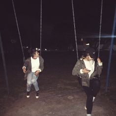 and all those years i desperately hoped to swing high enough to reach the stars that called to me in breathless starlight Night Aesthetic, Summer Aesthetic, Aesthetic Grunge, Cute Friend Pictures, Best Friend Pictures, Cute Friends, Best Friends, Grunge Photography, Aesthetic Photography Grunge