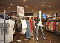 VIP Shopping Night! #CollectionforDoutzen #dance4life #WEFashion