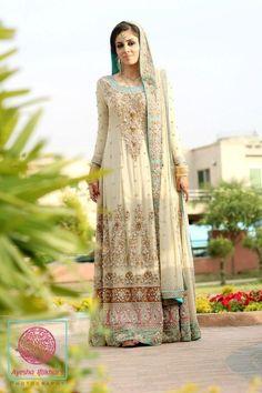 stunning Pakistani bridal outfit #PerfectMuslimWedding.com
