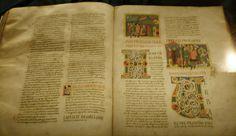 BIBLE  de SANTA  MARIA del FIORE Bible  atlantique fabriquée en Toscane au XIIe. Une bible atlantique est un manuscrit de la Bible enluminé, de grande dimension exécuté dans l'Italie centrale entre le milieu du xie siècle et la seconde moitié du xiie siècle. Produit dans le contexte de la réforme grégorienne, elles contribuaient à promouvoir la primauté du texte biblique dans la propagation de la réforme en Italie et dans l'Europe médiévale en général. Une cen