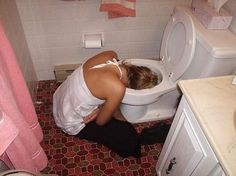 Top 14 Craziest And The Most Embarrassing Drunk Girls Fail That Are Funny As Hell. The funny images of young drunk girls are warning for you to not Funny Photos Of People, Funny Images, Funny Pictures, Funny People, Drunk Fails, Funny Fails, Funny Drunk, Drunk Texts, Most Embarrassing Photos
