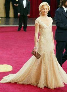 Kate Hudson - Versace -Oscar 2003