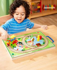 With this My First Wooden Train Case, your little one can decorate a locomotive…