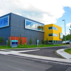 Project: Ottawa Archives Building Location: Tallwood Dr., Ottawa, ON Product: Equitone Architect: Barry Hobin and Associates #brilliantbuildings