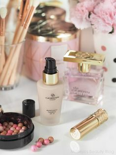 Love Makeup, Beauty Makeup, Giordani Gold Oriflame, Oriflame Business, Eco Friendly Makeup, Oriflame Beauty Products, Natural Cosmetics, Foundation, Perfume Bottles