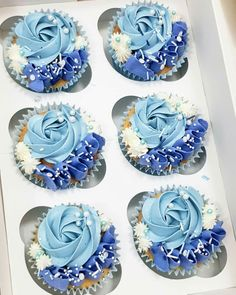 Cupcakes Decoration Birthday Blue Ideas For 2019 Cupcakes Frozen, Frosting Für Cupcakes, Blue Cupcakes, Flower Cupcakes, Sweet 16 Cupcakes, Pretty Cupcakes, Cupcakes Bonitos, Cupcakes Decorados, Cupcake Cake Designs