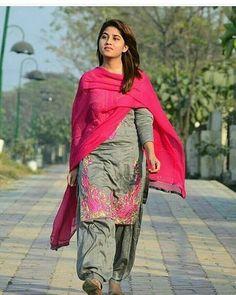 Indian Salwar Suit, Patiala Salwar, Shalwar Kameez, Punjabi Suits, Salwar Suits, Kurti, Ladies Suits Indian, Indian Girls, Suits For Women