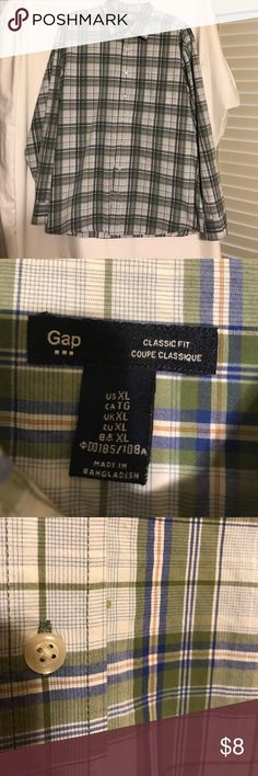 GAP Men's Button Down Classic fit shirt, *has a tiny spot near the 2nd to last bottom button GAP Shirts Casual Button Down Shirts
