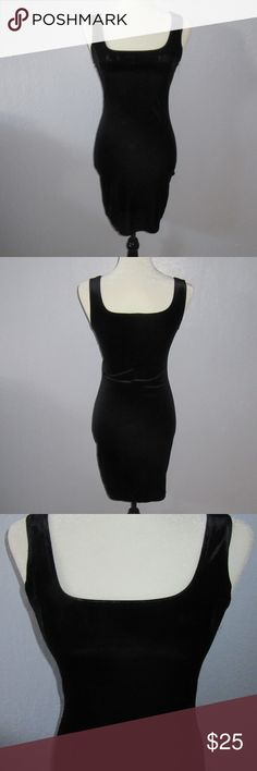 Velvet dress vintage Hennes Collection 90s sexy Vintage Hennes Collection (H&M) black bodycon sleeveless velvet dress with sexy scoop front and back neckline. Excellent condition - no wear in the velvet. European size 34 - but I think this would probably fit a US size 2 best. Hard to measure because the fabric is stretchy. Tags: holiday, Christmas, new year, Gatsby, 90s, 80s, velvet, sexy, bodycon, body con, contour, hourglass, curvy Hennes Collection Dresses