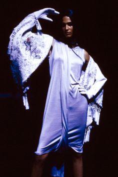 Alexander McQueen Spring 2000 Ready-to-Wear Fashion Show Details