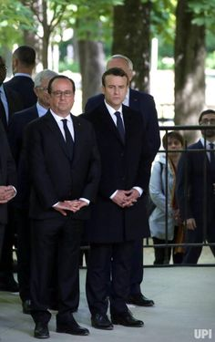 Outgoing French President Francois Hollande (L) and President-elect Emmanuel Macron attend the commemoration ceremony of the abolition of… Beaux Couples, Next Sunday, Luxembourg Gardens, French President, Emmanuel Macron, Head Of State, Politicians, How To Be Outgoing, Celebrity Photos